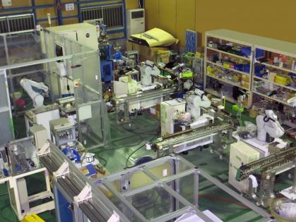 ロボットによる自動化装置の開発