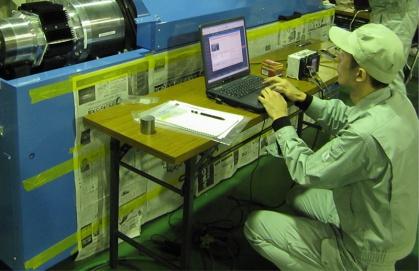 磁気軸受チューブラー型撚線機の開発の様子