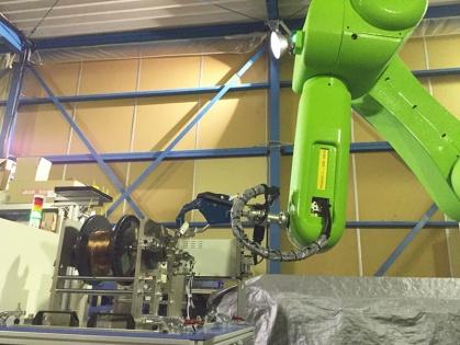 HCI製 ボビン装脱着ロボットシステム