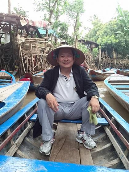 ベトナムへ人材開発に行く奥山